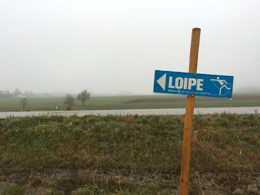 Vorbereitung auf den Winter: Loipe. (c) Marcus Eitzenberger